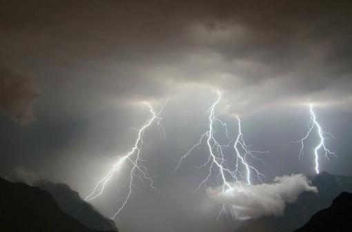 Afa e temporali forti fino a venerdì. Sabato e domenica sole con oltre 30 gradi