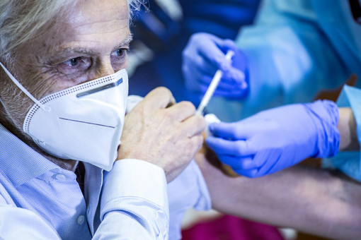 Vaccini anti Coronavirus agli over 80 lombardi: somministrate ieri 4.157 dosi