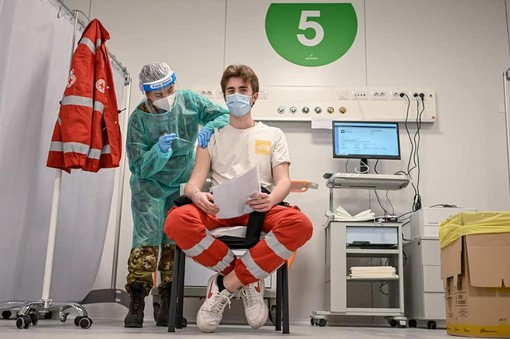 Coronavirus, in provincia di Varese oggi 35 contagi. In Lombardia 255 casi e 13 vittime
