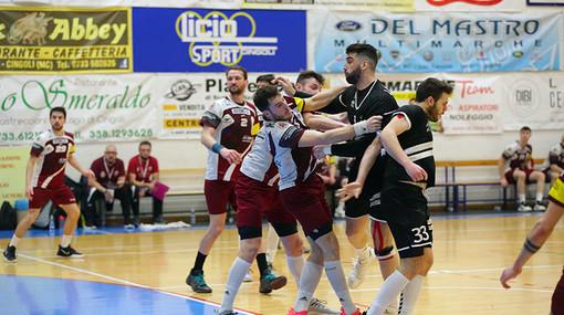 Un'azione della partita (Foto di Doriano Picirchiani)
