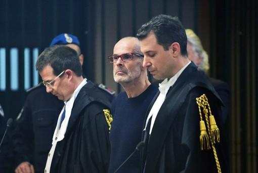 Cazzaniga (al centro) durante il processo di primo grado (foto da IlSaronno.it)