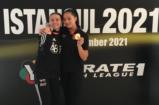Da sinistra: Roberta Dominici e l'amica-rivale francese, Bui Mai-Linh, questa volta medaglia d'oro