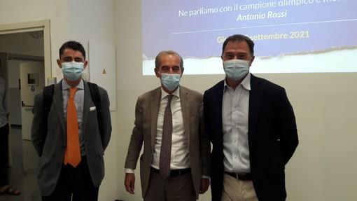 Emanuele Strada, Federico Visconti e Antonio Rossi al termine dell'incontro con gli studenti della Liuc - Università Cattaneo