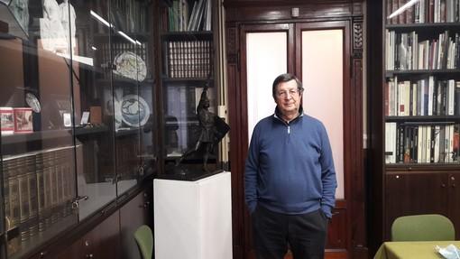 Gianfranco Bononi nella sede della Famiglia Legnanese