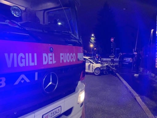 Incidente sul raccordo, chiuso l'ingresso in autostrada da via Magenta per consentire i soccorsi