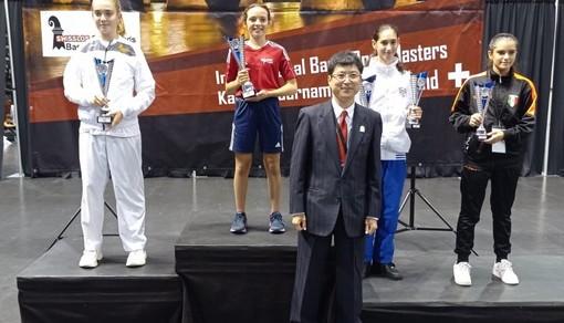 Sofia Francesca Zodda, in maglia rossa, sul gradino più alto del podio