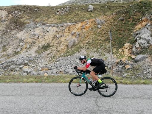 Riuscita l'impresa di Mario Favini alla Race Across Italy: 790 km no stop da solo in bici in meno di 38 ore