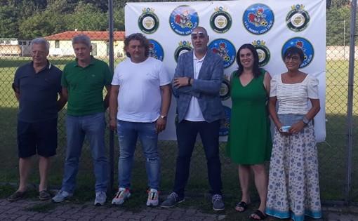 La presentazione dell'Asd Marnate Gorla Calcio. Sotto: il presidente Gussoni con il sindaco di Marnate Elisabetta Galli