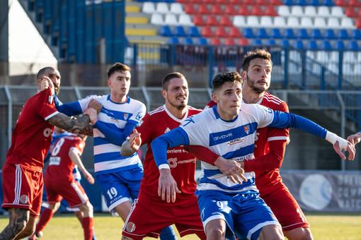 La Pro Patria non si è fatta intimorire dall'Alessandria: un lavoro collettivo che ha permesso di non prendere gol nelle ultime quattro partite (foto Marco Giussani)
