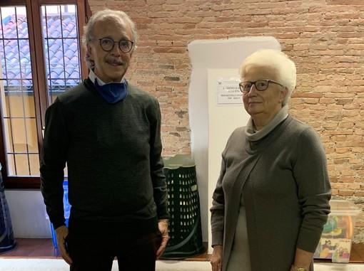 Roberto Puricelli, presidente Rotary club Varese, a dx Donatella Magnoni, Movimento e Centro di Aiuto alla Vita