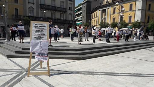 Le Sentinelle, in piazza Santa Maria