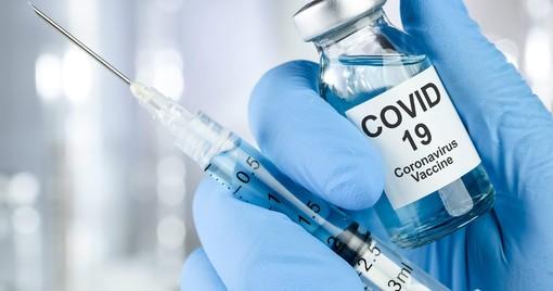 Vaccini, arrivano le dosi di AstraZeneca per completare la somministrazione delle seconde dosi