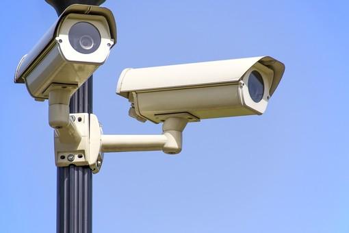 Somma Lombardo, la videosorveglianza identifica due responsabili di incidenti stradali che erano fuggiti