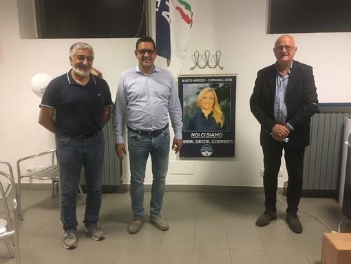 Da sinistra Blanco, Attolini e Spinelli nella sede di Fdi a Busto