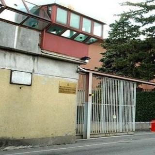 Rivolta ai Miogni, polizia e carabinieri intervengono in carcere in assetto anti sommossa