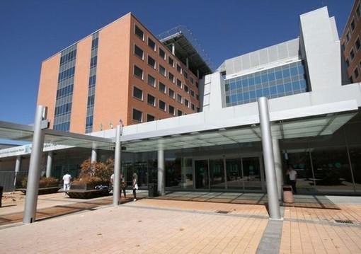 Covid, a Varese la curva dei contagi non scende: ancora 222 i pazienti ricoverati, 19 in terapia intensiva