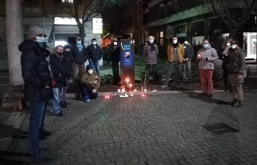 Al Tempio Civico con le candele: «La memoria delle vittime illumini il cammino»