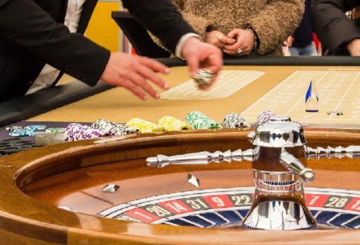 Nascita ed evoluzione dei casino, i più prestigiosi in Italia e le differenze fra gioco virtuale e reale