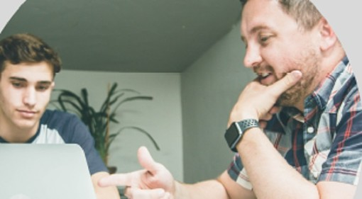 Nicolas studia e lavora: l'apprendistato duale per formare le professioni del futuro
