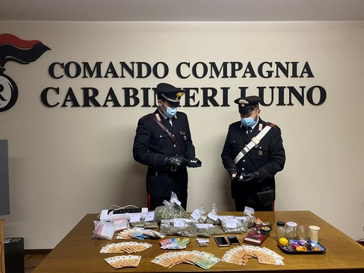 Aveva trasformato il cortile in una piccola piazza per lo spaccio, 31enne arrestato dai carabinieri