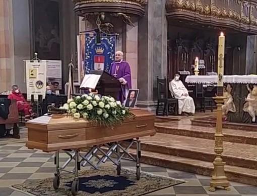 Il funerale di Franco Mazzucchelli in basilica a Busto