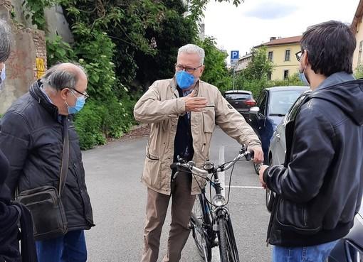 """Il tour nei quartieri di Maggioni parte dalla """"sua"""" San Michele. «Dalla piazza al Conventino, molto da sistemare»"""