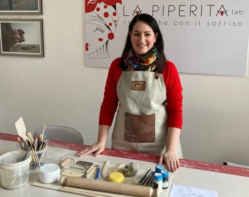 """Marina D'Eredità nel suo """"La Piperita lab"""" a Fagnano Olona"""