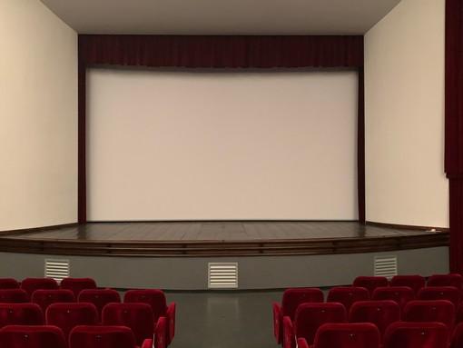 Il nuovo schermo preparato dal Lux per accogliere gli spettatori