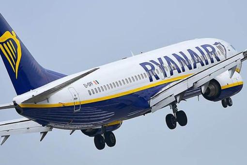 L'ultima trovata di Ryanair: «Acquista un volo, ne riceverai un altro a metà prezzo»