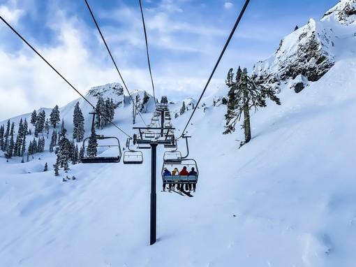 Doccia gelata sugli impianti di sci: niente riapertura, divieto fino al 5 marzo