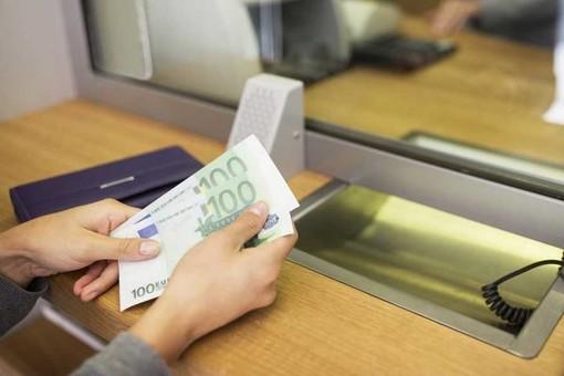 Banca Bper, la denuncia della Cgil di Varese: «Tutti in coda fuori dalle filiali»