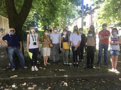 Foto di gruppo al termine del giro per gran parte dei partecipanti. Sotto, Erika Montedoro